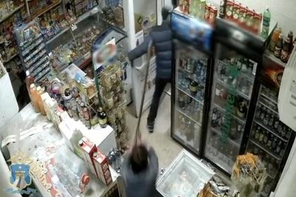 Вооруженный грабитель в Ставрополье получил отпор шваброй
