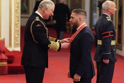 Том Харди стал рыцарем-командором