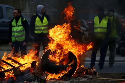 Протесты во Франции закончились арестами и гибелью манифестантов