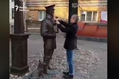 Еще один белорус обидел памятник