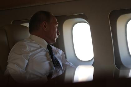 Песков рассказал о занятиях Путина во время долгих перелетов