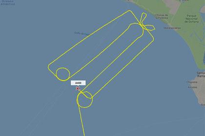 Испанский самолет начертил в небе «пенис в коробке»