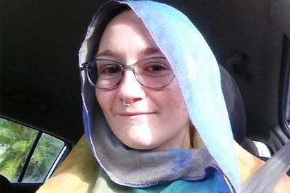 Атеистку в платке приняли за мусульманку и унизили