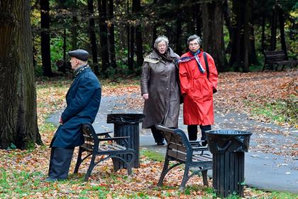 Накопительные пенсии россиян снова заморозили