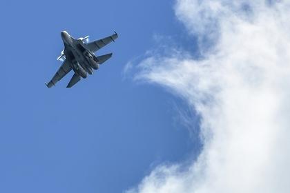 Киев заявил об атаке российским Су-30 украинских судов в Керченском проливе