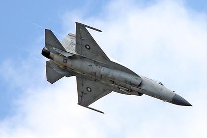 Иран захотел заменить истребители из России и США