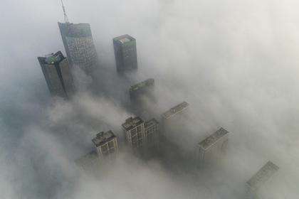 Сильный смог накрыл десятки городов в Китае