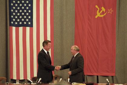 Буша-старшего похвалили за освобождение советских евреев
