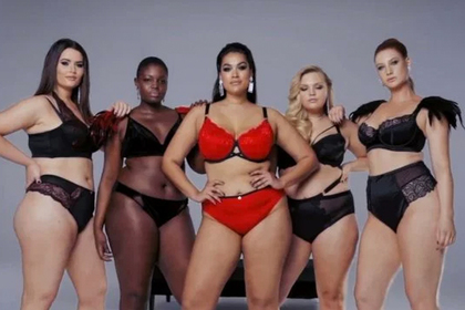 Униженные тучные девушки разделись в отместку худым моделям