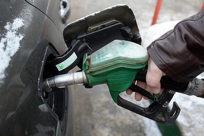Бензиновый кризис объяснили обиженными нефтяниками