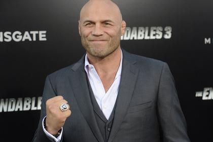 Непристойное видео с одиноким бывшим чемпионом UFC попало в сеть
