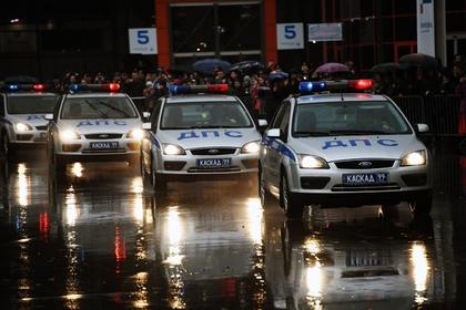 В Челябинске пьяная школьница на Mercedes сбила полицейского