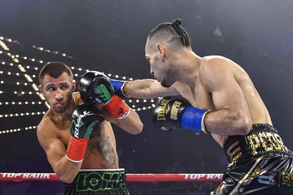 Украинский боксер Ломаченко завоевал второй чемпионский титул