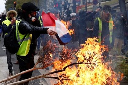 Франция поищет вмешательство России в протестах «желтых жилетов»