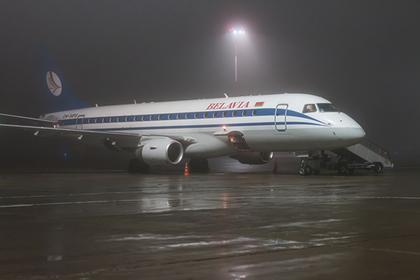 Белорусский самолет сбил украинские фонари и устроил переполох в аэропорту