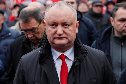 Президента Молдавии снова отстранили от власти