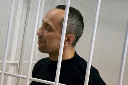 Самый жестокий маньяк России решил вернуть звание офицера милиции