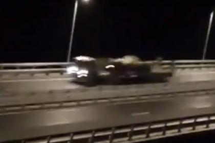 На Крымском мосту заметили военную технику
