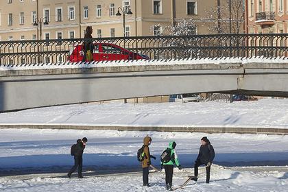 Следователи предостерегли ходящих по тонкому льду россиян
