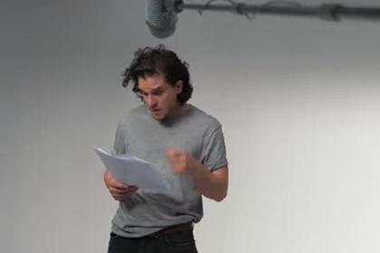 Джон Сноу из «Игры престолов» приручил дракона Беззубика