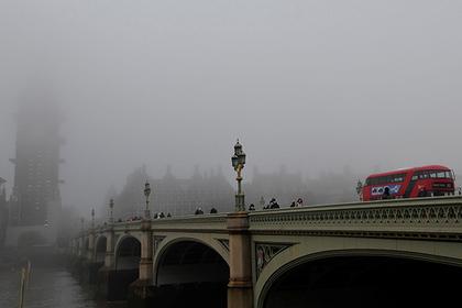 Сторонники Brexit в желтых жилетах перекрыли Вестминстерский мост