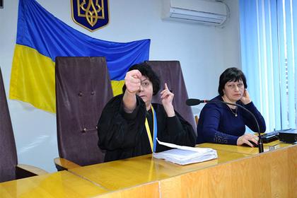 Украинская судья показала «фигу» и стала звездой интернета