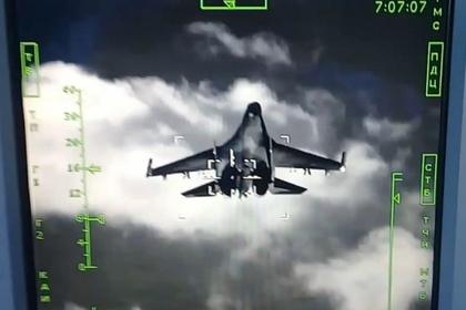 Охота Су-34 на Су-35 попала на видео