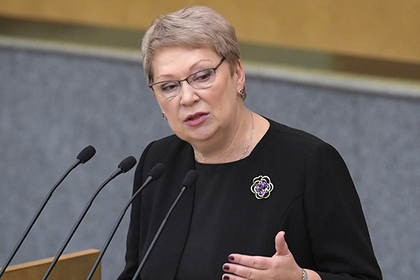 Васильева объяснила нехватку учителей