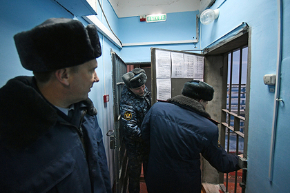 Десятки российских СИЗО оказались переполнены арестантами