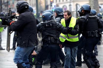 Усмирявшие «желтых жилетов» французские полицейские пригрозили бунтом