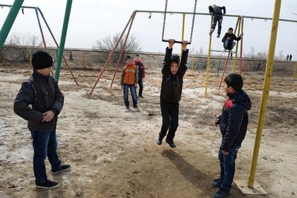 В Казахстане задумались о штрафах для говорящих по-русски детей
