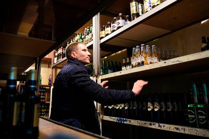 Россияне закупились незаконным алкоголем на миллиарды рублей