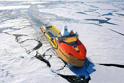 «Роснефть» организовала фотовыставку «Время Арктики»