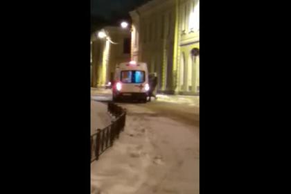 Россиянин после корпоратива напал на скорую помощь и попал на видео