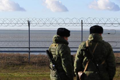В Киеве оценили возведенный на границе Украины и Крыма забор
