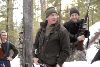 Безнаказанное убийство губернатором спящего медведя возмутило россиян