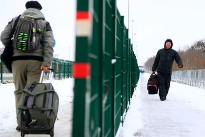 Запрет на въезд на Украину для российских мужчин отменили