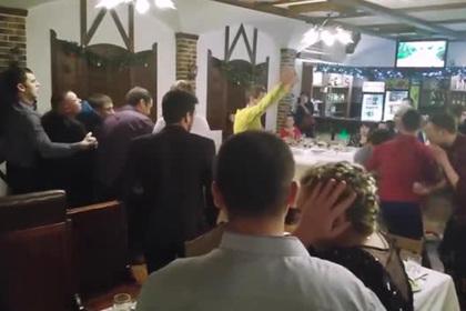 Массовая драка на корпоративе с участием российских адвокатов попала на видео