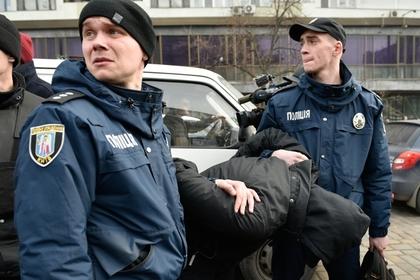Украинские полицейские избили 81-летнего создателя самолета «Мрия»