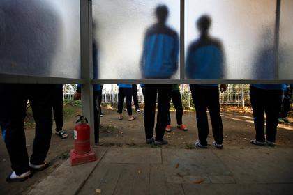 Пьяные школьники в Южной Корее избили российских рабочих