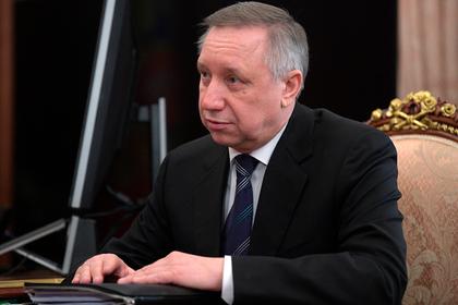 Петербургских чиновников снабдят именными лопатами