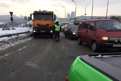 Московские дороги парализованы из-за прорыва дамбы