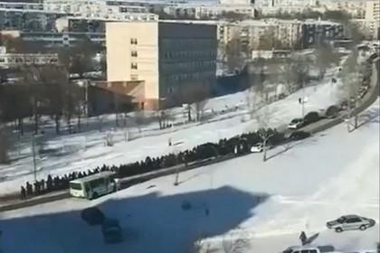 http://icdn.lenta.ru/images/2019/01/13/06/20190113063348669/pic_2bdce26c16fb8fb30837996e9de79cf6.jpg