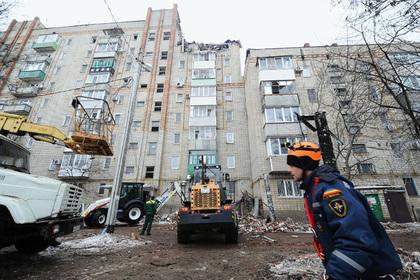 Жители обрушившегося от взрыва дома в Шахтах жаловались на утечку газа