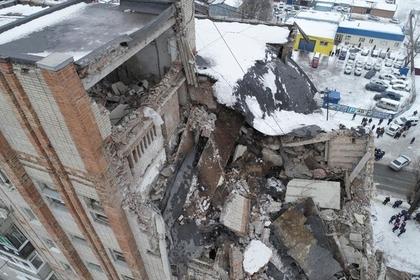 Число жертв взрыва в жилом доме в Шахтах увеличилось