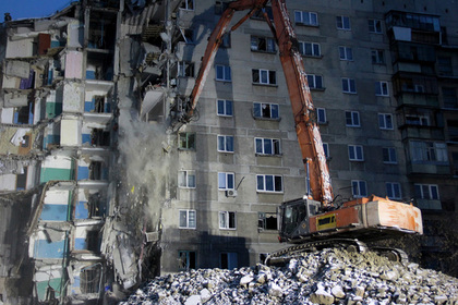 Путин велел полностью расселить взорвавшийся дом в Магнитогорске