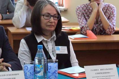 Рассказавшую о 300-процентных премиях чиновникам россиянку уволили