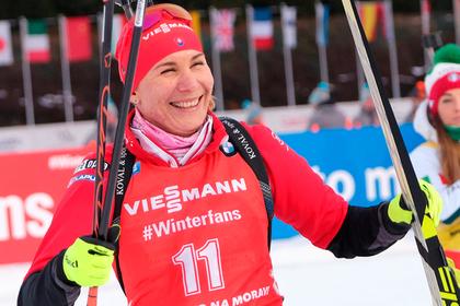 Сестра Шипулина выиграла спринт на Кубке мира