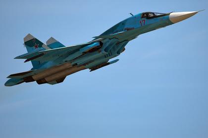 Один из столкнувшихся в небе Су-34 уцелел