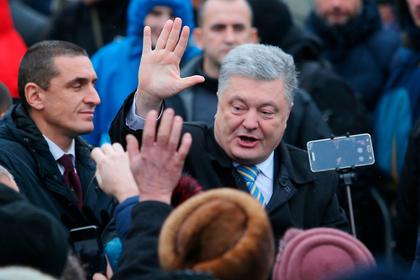 Порошенко проигнорировал вопрос о коррупции и прокричал «Слава Украине!»